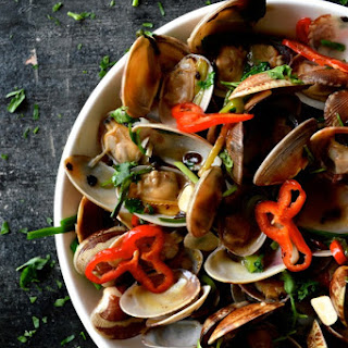 Stir-Fried Clams in Black Bean Sauce
