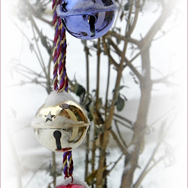 Jingle Bells by Sandy Stevens Krassinger - Public Holidays Christmas ( snow, bells, christmas, artistic objects, public holiday )
