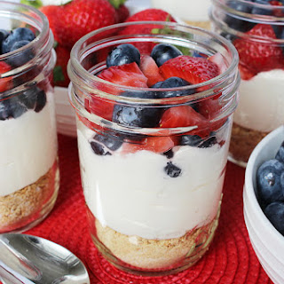 No-Bake Mason Jar Cheesecakes