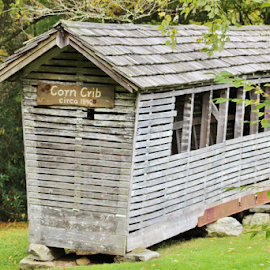 Old Corn Crib by Terry Linton - Buildings & Architecture Public & Historical