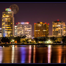 St-Petersburg - Florida by James Eickman - Digital Art Places ( city at night, street at night, park at night, nightlife, night life, nighttime in the city,  )