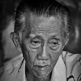 SAD.... by Irfan Hikmawan - People Portraits of Men