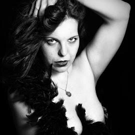 lorena by Giovanni Salinardi - Nudes & Boudoir Artistic Nude ( blackandwhite, boudoir photography, model, sexy, girl )