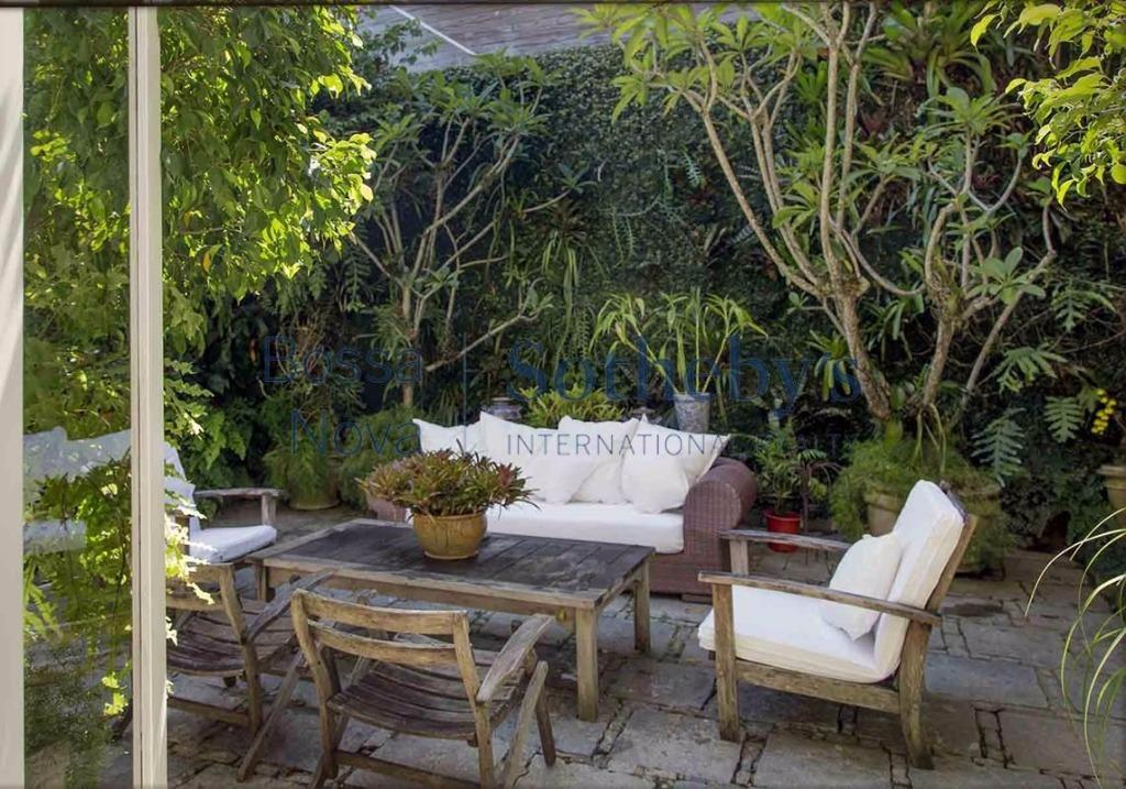 Casa com linda vista no melhor ponto do Jardim Botânico