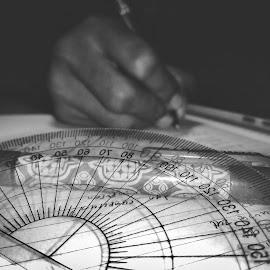 learn by Yuli Prasetyo - Black & White Objects & Still Life