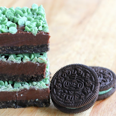 Mint Chocolate Chip Fudge Bars
