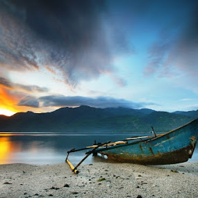 Maimol This Morning #2 by Aris Winahyu BR - Landscapes Waterscapes ( waterscape, sunrise, beach, boat )