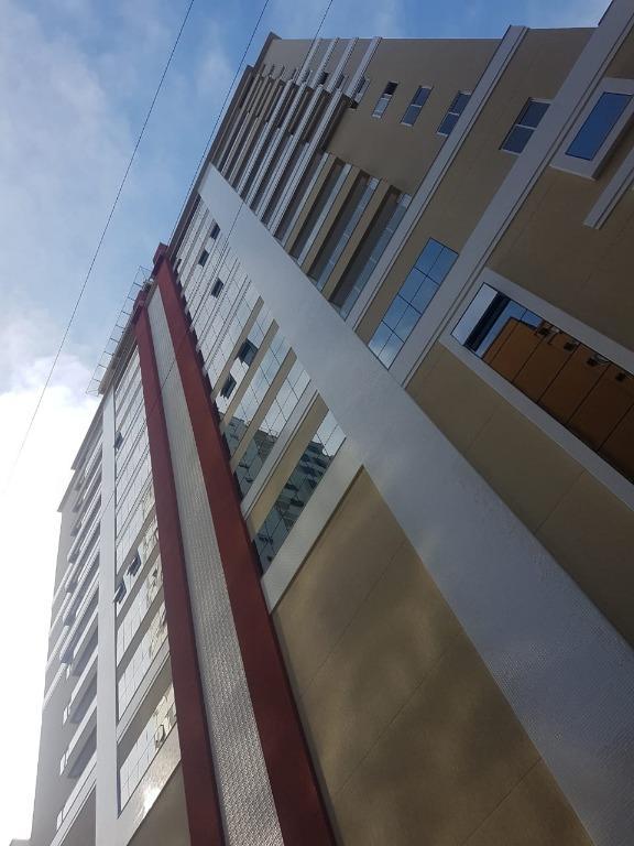 Apartamento à venda por R$  - Meia Praia - Itapema/SC