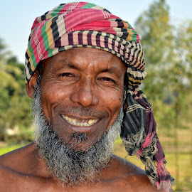 Emotion by Sina Akter - People Portraits of Men ( bangladesh, thrilled, happy, worker, smile, man,  )