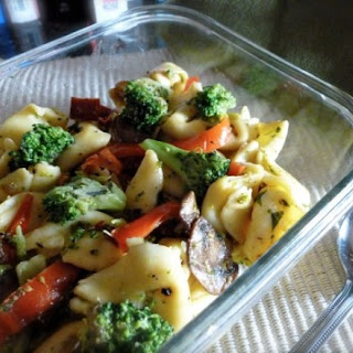 Easy Cheese Tortellini with Broccoli and Red Peppers
