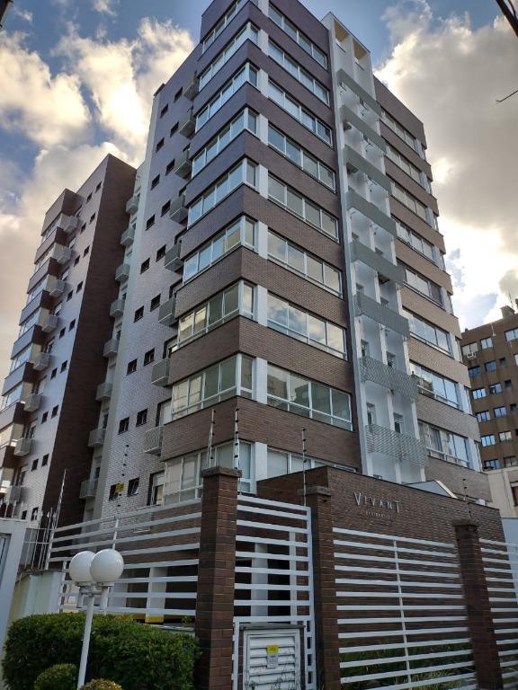 Apartamento 2 suítes com vaga de garagem no bairro Petrópolis.