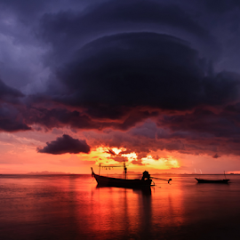 Weird cloud by Richard ten Brinke - Landscapes Waterscapes