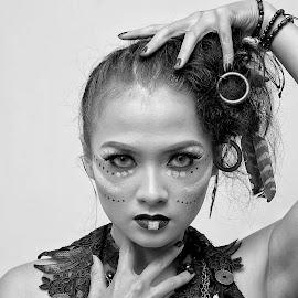 my eyes by Jaka Supardi - Black & White Portraits & People