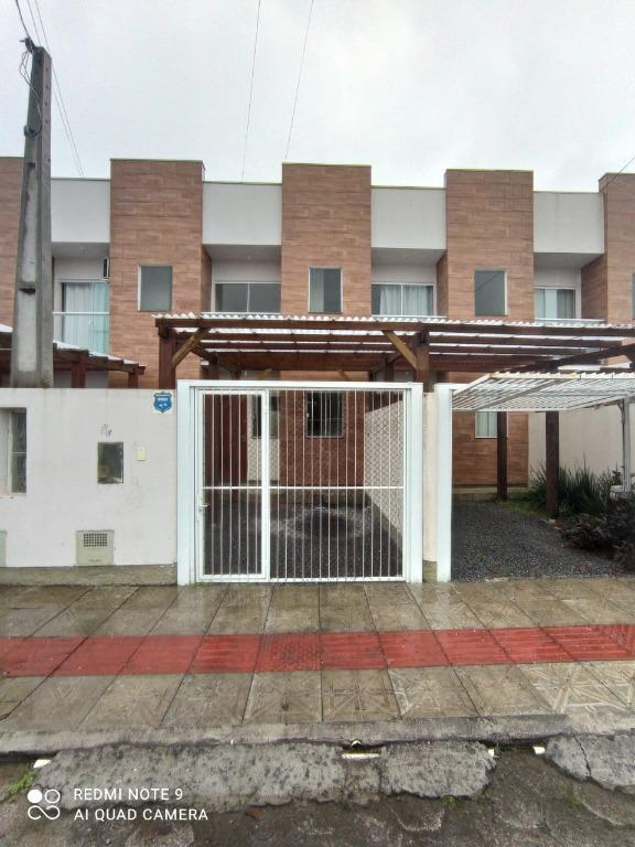 Sobrado com 2 dormitórios para alugar, 65 m² por R$ 1.300,00/mês - Universitário - Tijucas/SC
