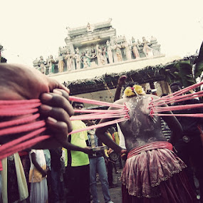 THAIPUSAM by Firdaus Hadzri - News & Events World Events ( canon, thaipusam, malaysia, ipoh, tamil, people, photography, firdaus hadzri, hindu, red, tokina 11-16mm, 2012, festival, india, culture )