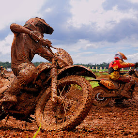 Crosser by Yoga Pratama - Sports & Fitness Cycling ( motocross, yagovic, indonesia )