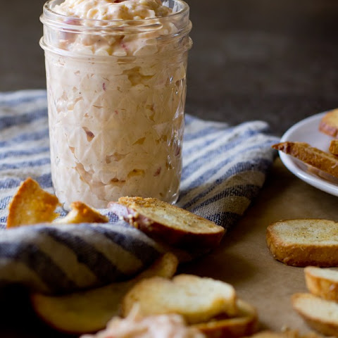 Zingerman's Pimento Cheese with Garlic Bagel Chips