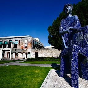 The man in blue by Cristobal Garciaferro Rubio - Buildings & Architecture Statues & Monuments ( blue man, mexico, puebla, monument, san francisco )