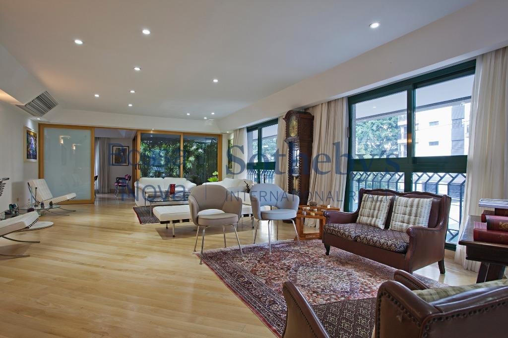Apartamento em excelente local com amplitude e elegancia