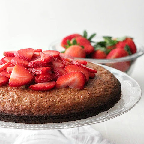 Flourless Almond Cake with Strawberries and Coconut Cream