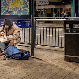 by Darrell Evans - People Street & Candids ( reading, begging, trashcan, street, x100t, road, people )