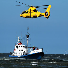 by Anja Kroes - Transportation Helicopters