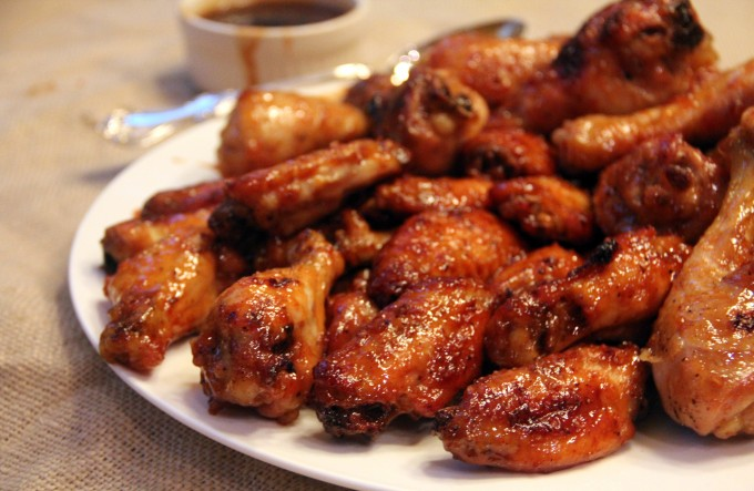 Honey Garlic Sriracha Wings Recipe | Yummly