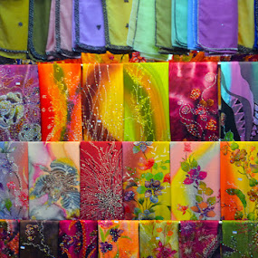 Kain warna-warni by Hazmi Anas - Novices Only Objects & Still Life ( warna, cloth, terengganu, malaysia, kain, pasar )