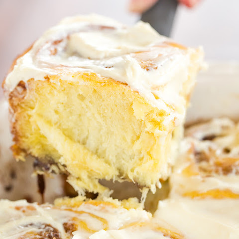Gooey Cinnamon Rolls with Cream Cheese Glaze