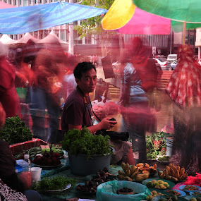 Busy Street Market by Rashid Mohamad - City,  Street & Park  Street Scenes ( market, traffic, kianggeh, slowshutter, brunei darussalam )