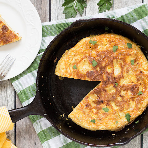 Traditional Spanish Omelette (Potato Tortilla)