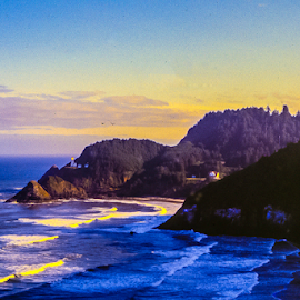 Hecate Head, Oregon by Robert Campbell - Landscapes Waterscapes ( lighthouse, pacific, seaside, surf, coast,  )