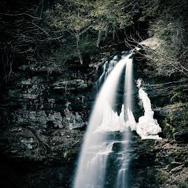 Plattekill Falls by Tom Moors - Landscapes Waterscapes ( plattekill falls, catskills, new york )