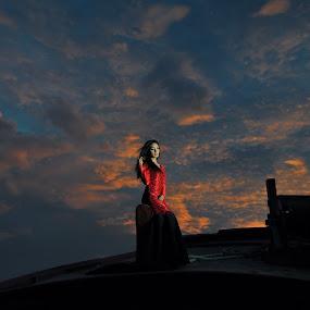 Syartina by Oji Kulup - People Portraits of Women