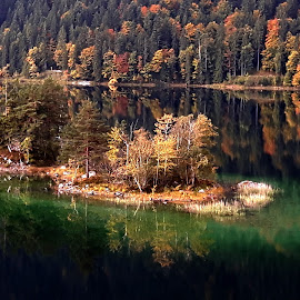 by Mladen Steel Vrđuka - Uncategorized All Uncategorized ( herbst, garmisch-partenkirchen, autumn )