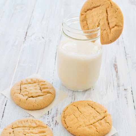 Classic Soft-Baked Peanut Butter Cookies
