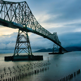 by Craig Turner - Buildings & Architecture Bridges & Suspended Structures ( oregon, ca, golden gate bridge, mountain, northern california, taylor, beach, travel, sky, nature, tree, oakland, snow, michelle, morgan, tropical ocean, 2017, washington. aaron, grass, california, horizon, journey, sf, forest, lake, bay bridge, sunlight, rural, vacation, dawn, season, bay, scene, view, natural, waterfront, panoramic, port, puget sound, danica, ocean, beauty, landscape, panorama, sun, coast, tranquil, seattle, nor cal, sf bay, ecology, san francisco, evening, water, desert, park, waves, beautiful, sea, paradise, amazing, bremerton, color, blue, sunset, background, outdoor, cloud, summer, scenery, sunrise )