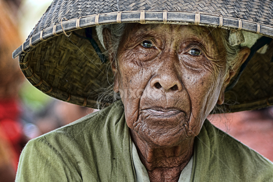 by Hendri Suhandi - People Portraits of Women ( senior citizen )