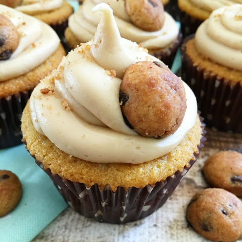 Creatively Sweet Cookie Butter Cupcakes