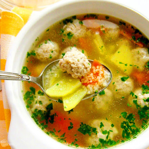 Diet Soup with meatballs – 41.28 kcal