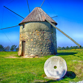 Windmill by Ana Paula Filipe - Buildings & Architecture Public & Historical ( mill, wind, old, historical, wnidmill )