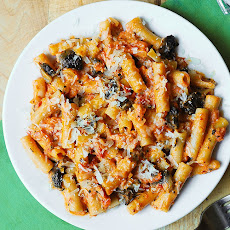 Penne Pasta in Creamy Vodka Tomato Sauce with Mushrooms
