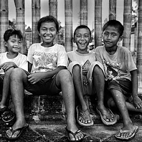 F4 by Rachmat Sandiko - People Group/Corporate