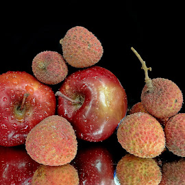 Apple-litchi by Asif Bora - Food & Drink Fruits & Vegetables