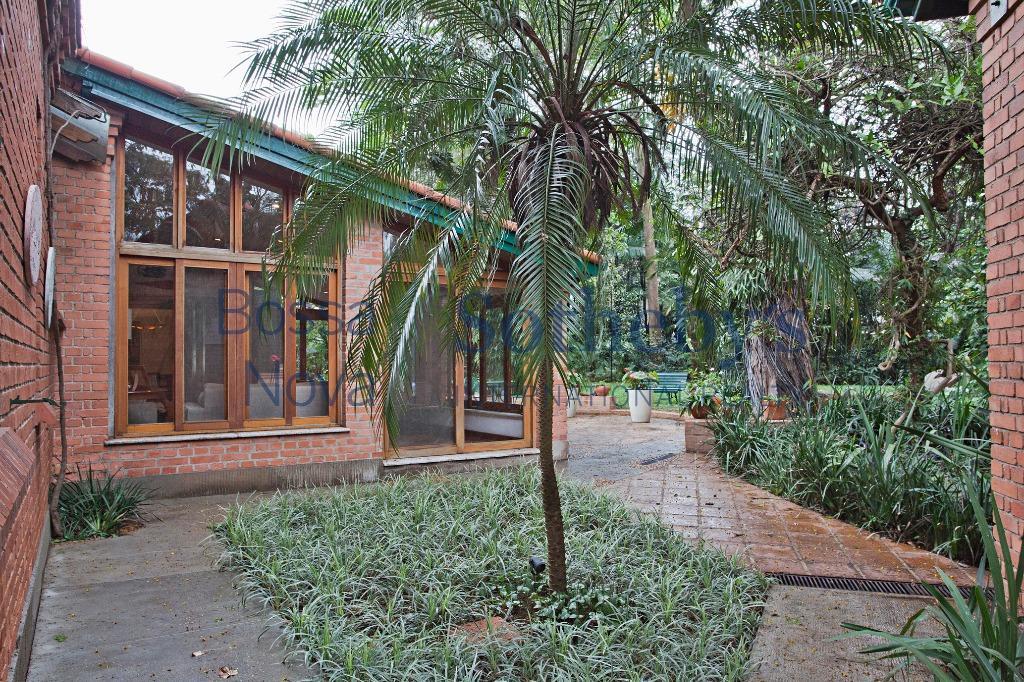 Parece Casa de Campo, estilo Inglês, há 10 minutos do aeroporto de Congonhas!