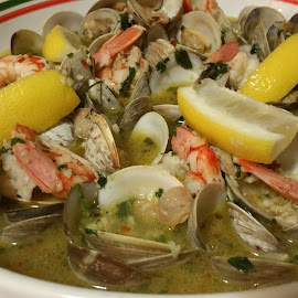 clams in a garlic butter white wine sauce Italian style by Tim Otoole - Food & Drink Plated Food