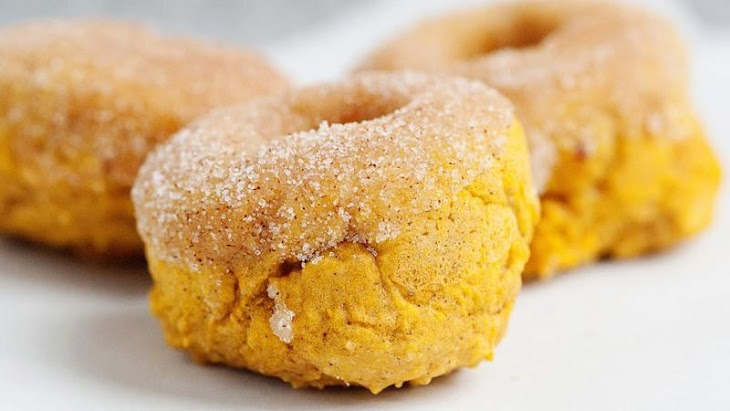 Baked Pumpkin Doughnuts with Cinnamon Sugar Recept | Yummly