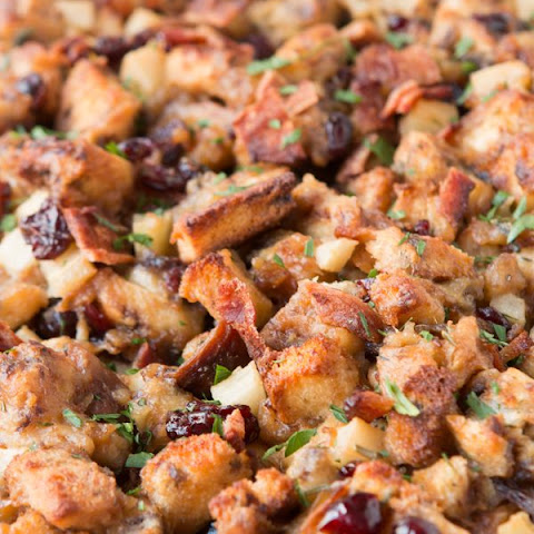 Apple Bacon Cinnamon Stuffing