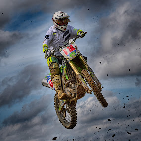 13, Lucky Number ! by Marco Bertamé - Sports & Fitness Motorsports ( clouds, speed, green, number, 13, race, noise, jump, flying, red, motocross, clumps, air, high,  )