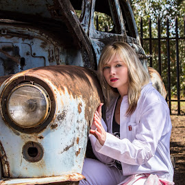 Evie by Jacques Murray - People Fashion ( walkerville, model, beautiful, south africa, beauty, places, people, blonde, gauteng, shoot, female, woman, cars, test shoot, vehicles, hair )